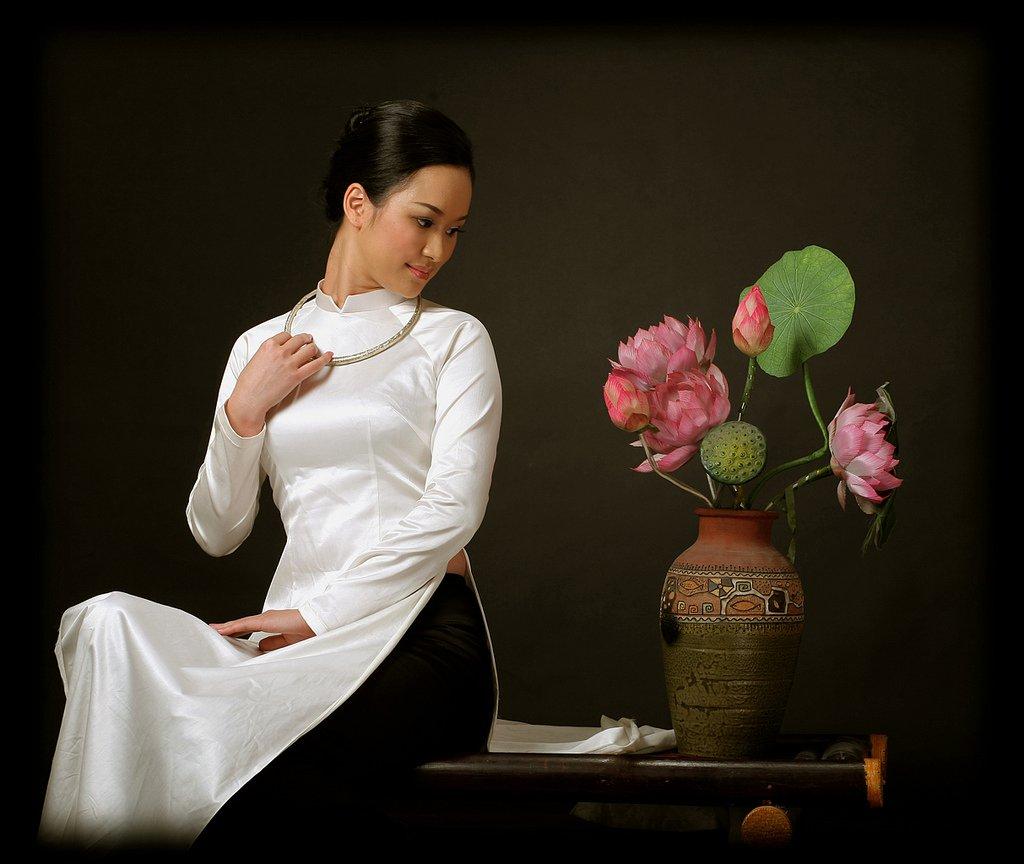 Ao d i la tunique vietnamienne cap - Ou acheter du tissu a paris ...