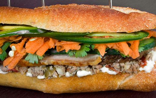 Prenez un aller simple pour le Vietnam avec le Banh-Mi, le sandwich star de la Street-Food asiatique !