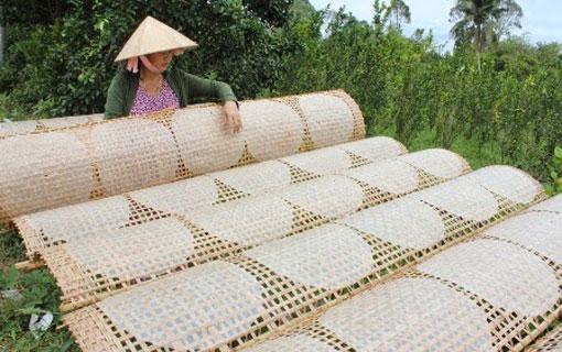 Au Vietnam, bataille autour de la feuille de riz [bánh tráng], ingrédient clef du nem