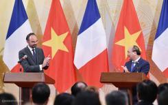 Édouard Philippe annonce dix milliards d'euros de contrats au Vietnam