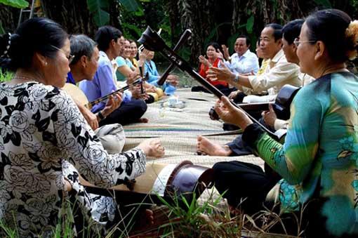 Musique traditionnelle du Vietnam: Đờn ca tài tử (chant des amateurs de la région Sud du Vietnam)