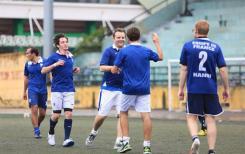 Le football comme vecteur de solidarité pour l'ONG School on the Boat
