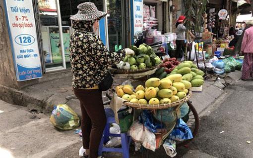 Les travailleuses rurales qui tentent de gagner leur vie dans les grandes villes