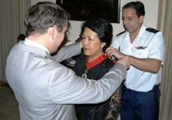 Remise de Légion d'Honneur de la France à Madame Ton Nu Thi Ninh