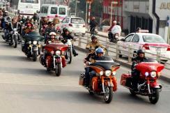Vietnam: Harley, gros cubes américains font aussi tourner les têtes
